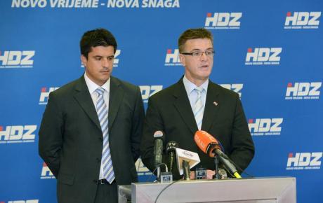 Nas ne čudi politika Tomislava Nikolića, nego aktualne hrvatske vlasti!