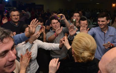I u Rugvici su Posavljaci s oduševljenjem dočekali buduću predsjednicu!