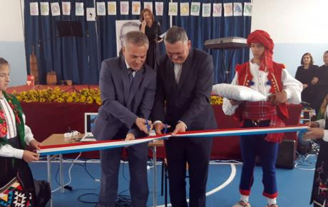 Otvorena sportska školska dvorana u Brišniku